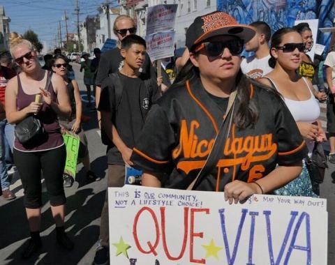 Plaza 16 protest ©2014 Dyan Ruiz